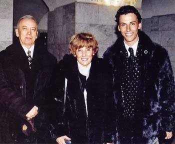 Maxim with his father and mother at the awards ceremony, 'Triumph' in January 2001