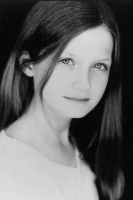 Bonnie Wright (Bonnie Wright)