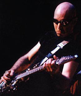 Joe Satriani (SATRIANI JOE)