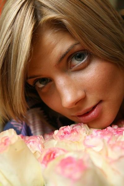 Привлекательные соски милой Lili F